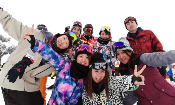 スノーボードツアーの様子