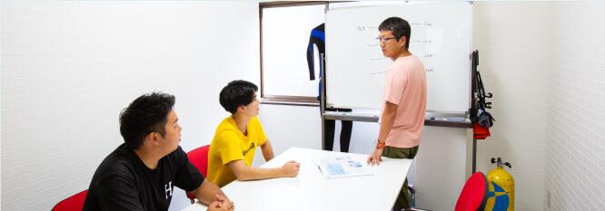 ライセンスの種類や知識を学科講習で学ぶ!のイメージ
